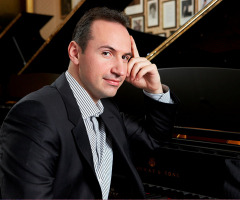 International concert pianist to give exclusive recital
