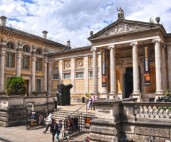 Year 9 explore Oxford's Ashmolean Museum